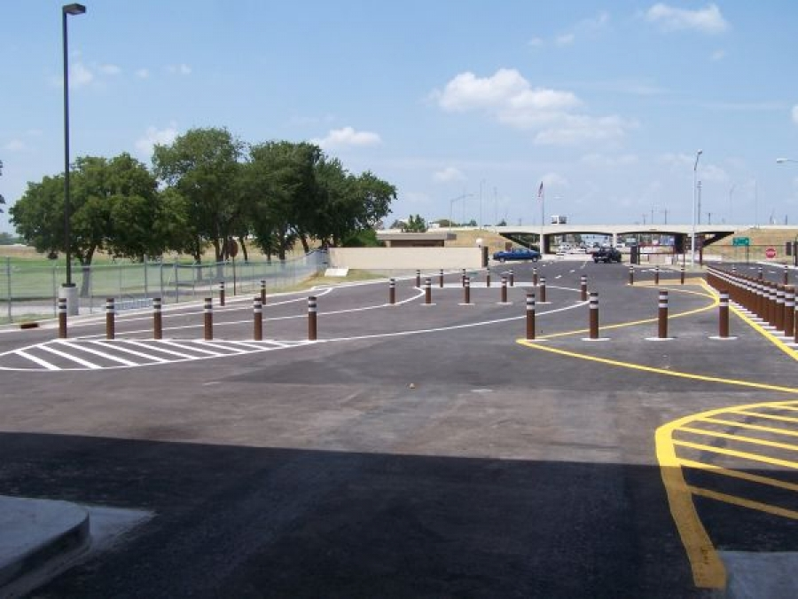 TrafficGuard, Inc Round Post Key Lock - Removable steel bollards Tinker Air Force Base, OK