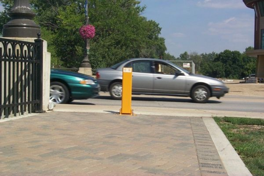 TrafficGuard, Inc Single Post - Parking Lot Bollards Pedestrian Walkway, Elgin, IL