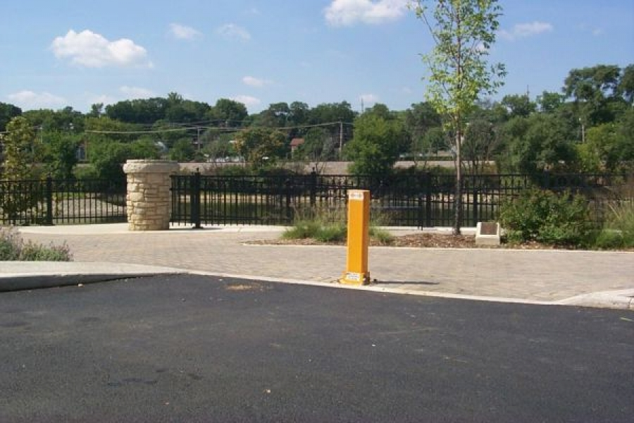 TrafficGuard, Inc Single Post - Removable Bollard Pedestrian Walkway, Elgin, IL