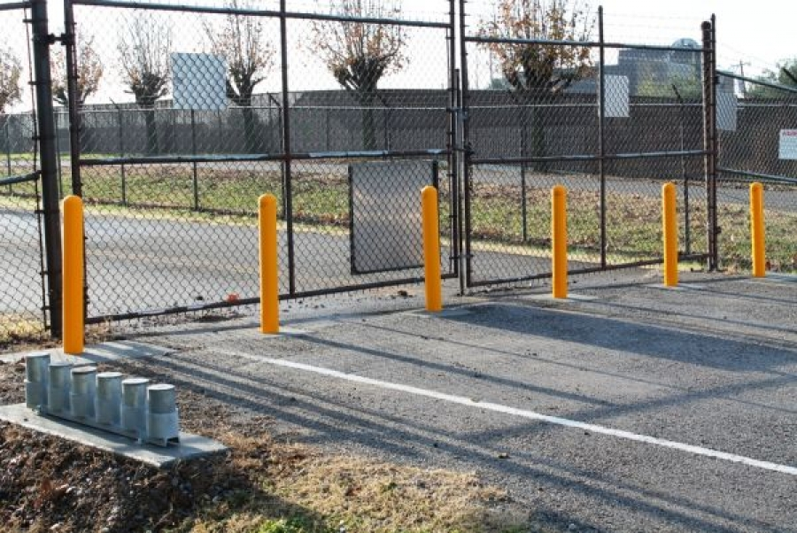 TrafficGuard, Inc Round Post Twist In - Removable bollards Tennessee Air National Guard, Nashville, TN