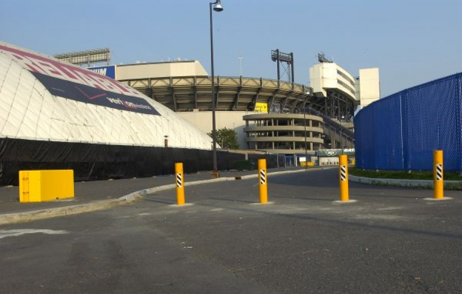 TrafficGuard, Inc Round Post Key Lock - Removable traffic bollards Giants Stadium, East Rutherford, NJ