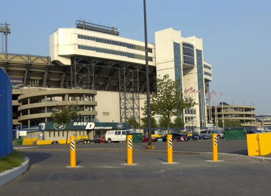 TrafficGuard, Inc Round Post Key Lock - Removable security bollards Giants Stadium, East Rutherford, NJ