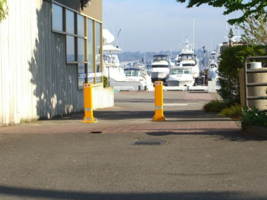 TrafficGuard, Inc Single Post - Removable bollard systems Marinas